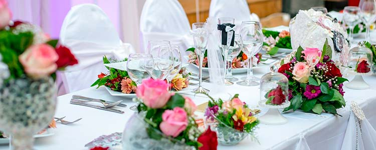 centros de flores para el banquete de la boda