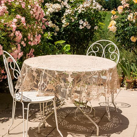 Servicio de decoración con plantas y flores para exterior para hoteles y restaurantes en Madrid.